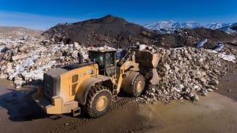 Cat 982 XE lastar bergmaterial
