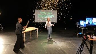 På fotot: Josette Bushell-Mingo och doktor Stacey Sacks (höger)