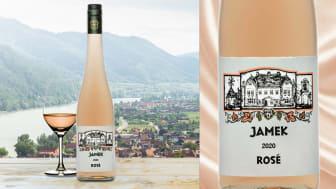 Nu lanseras en serie österrikiska kvalitetsviner från Weingut Jamek i Systembolagets beställningssortiment. Först ut är Jamek Rosé 2020, ett torrt och fruktigt rosévin av Zweigelt och Spätburgunder. Weingut Jamek ligger i DAC-området Wachau.