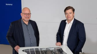 Mads Friis Jensen, CCO and Co-founder, Blue World Technologies and Lars Bo Andersen, Alfa Laval Test and Training Centre Manager with the modular methanol fuel cell system