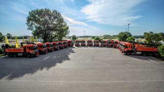 18 Kommunalfahrzeuge wurden an das Land Niederösterreich übergeben