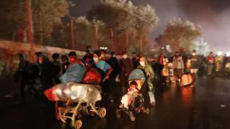 """Moria: Familien, Kinder, Jugendliche auf der Flucht. Nicht mehr darüber reden, handeln!"""", sagt Boris Breyer, Sprecher der SOS-Kinderdörfer. Foto: Giorgos Moutafis"""
