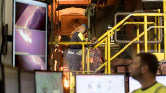 På fabrikken i Doense smeltes sten ved 1.500 grader - fra nytår kører ovenene på CO2-neutral biogas