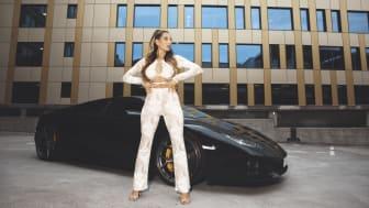 Nelly.com och Antonija Mandir gör höstkampanj tillsammans – BACK TO REALITY med senaste nyheterna från Nelly.com!