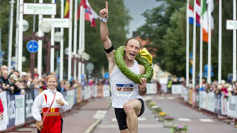 Roman Ryapolov (RUS) vinner UltraVasan 45 2014. Kranskulla Lisa Englund.
