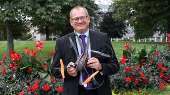 Juan Bergdahl, lärare på Hahrska gymnasiet har fått pris av Eu-kommissionen för innovativt lärande.