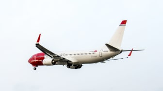Norwegian's last 737-800 upon take-off from the Boeing Delivery Center (photo credit: Atle Straum)