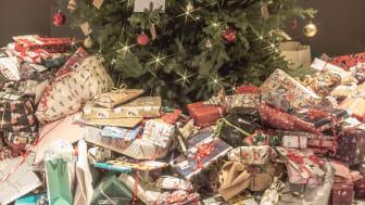 601 julklappar samlades in på Clarion Hotel Amaranten under initiativet Ensam Julgran Söker Klappar till förmån för Barncancerfonden
