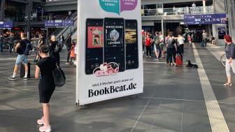 Werbekampagne am Berliner Hauptbahnhof