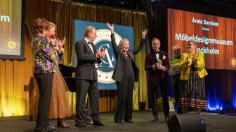 Vinnaren i kategorin Årets samlare tar emot sitt pris på Collector's Awards 2019. Foto: Jonas Sveningsson