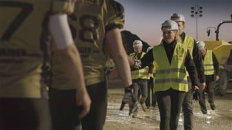 """""""It's the People around us who make us what we are"""" -video on palkittu Accolade-festivaaleilla. Video on toteutettu Saksassa yhteistyössä Feldkirchen Lions -joukkueen kanssa."""