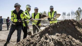Det första spadtaget för I am Homes utveckling i Snurrom i norra Kalmar. Foto: Martin Palm