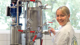 Elin Gustafsson utför provkörning i Mercatus lab.
