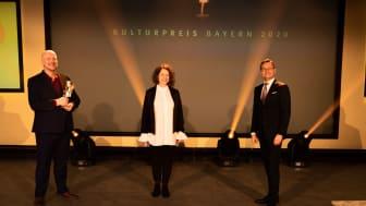 ruehlmann-arnd-statue-kulturpreis-bayern-2020-copyright-simon-leibl