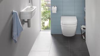 GROHE Essence væghængt toilet, giver mulighed for både et lille og et stort skyl, hvilket kun bruger mellem 3 og 6 liter vand pr. skyl.