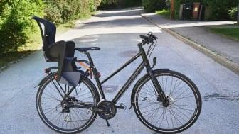Cykel med cykelbarnstol