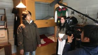 Tomohiro Sekiguchi till vänster och till höger Jennifer Wikström, samordnare på Visitors Center i världsarvet Gammelstad Kyrkstad.