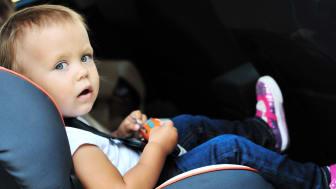 30 % av Sveriges 0-4 åringar färdas farligt i bilen