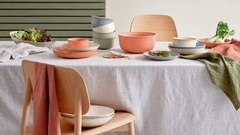 """Der neue Farbton """"Coral"""" bringt Lebendigkeit und Farbe auf den Tisch"""