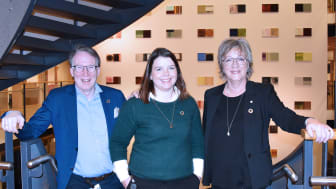 Gunnar Hareid, adm. dir. i Tafjord Marked, Camilla Blom, leder av Tafjord EnergiArena og Annik Magerholm Fet, viserektor ved NTNU Ålesund, satser sammen for å gi bedriftene i Ålesund bærekraftige forretningsmodeller.
