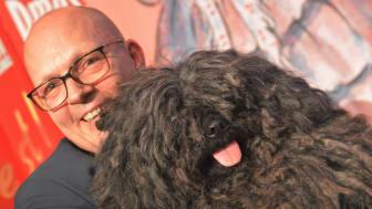 BIS-vinnande pulin Zala tillsammans med sin ägare Jesper Ravn.
