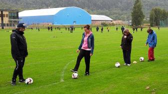 """Under onsdagskvällen gick startskottet för """"Glädje Tillsammans"""" på Ryda Sportfält i Borås - ett samarbete mellan barnrättsorganisationen Erikshjälpen och IF Elfsborg."""