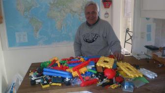Lions ger lego till syriska flyktingbarn