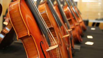 Ausgestellte Instrumente und Bogen bei der SINFONIMA CUVÉE DARLING 2018