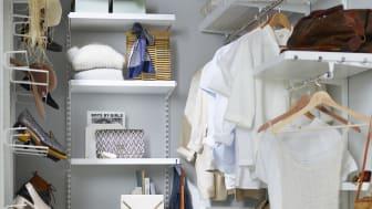 Elfa_Décor garderobeløsning i hvid, selv til små rum.