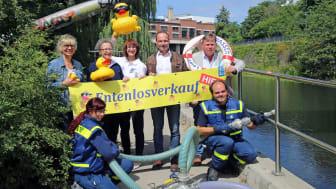 Veranstalter des 19. Leipziger Wasserfestes mit Mitarbeitern des THW