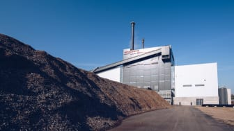 Växjö Energi har en av få anläggningar i världen med 100 procent förnybar kraftvärmeproduktion. Både el och fjärrvärme tillverkas av biobränsle i form av skogsrester som annars hade gått till spillo. Foto Jonas Ljungdahl.