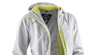 Frisch und feminin designter Mantel, der dir bei aller Leichtigkeit vollen Wetterschutz bietet.