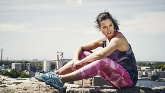 Färgstarkt men sobert - en tydlig trend i sommarens sportmode
