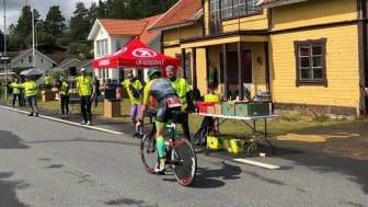 Pepp, hejarrop och energipåfyllning väntar deltagarna i Ironman 70.3 Jönköping på stationen i Bunn.
