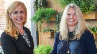 Karin Schreil, vd Fujitsu Sverige och Hillevi Agranius, CIO Husqvarna Group, i samband med undertecknandet.