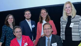Silvana Hansmann, Dr. Tobias D. Gantner, Silver Mikk, Jessica Hanneken, Günter Wältermann und Sarah J. Becker (v.l.) zur Frage, was Startups in etablierten Unternehmen verändern. Foto: WISO/Schmidt-Dominé