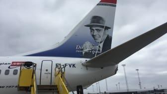 "Norwegian hædrer ""Hele Danmarks Dirch"""