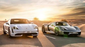 Porschebilar-solnedgång