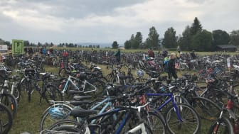 En typisk cykelparkering under O-Ringen Höga Kusten 2018.