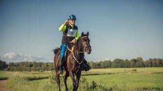 Kjell Westerback och Hadari representerar Sverige på VM i distansritt i italienska Pisa i helgen. Tävlingen går över 16 mil. Foto: Pauline Högdahl