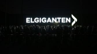 85.000 danskere var inde og bladre i tilbud samtidig, da Elgigantens netbutik slog dørene op til Black Friday ved midnat.