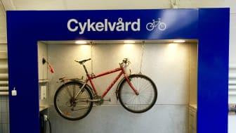 OKQ8 öppnar cykelvårdsplats vid Slussen