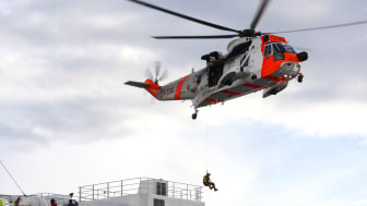 LIVSVIKTIG KOORDINASJON: Ressursregisteret til BarentsWatch kobler sammen offentlige, private og frivillige redningsressurser til havs, på land og i luften. Foto: Torgeir Haugaard/Forsvaret