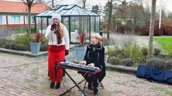 Julsångsturné, Agnes Berg och Karin Turesson