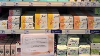 Mehr als 90 Menstruationsprodukte sind ab sofort bei dm dauerhaft im Preis gesenkt