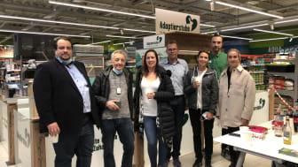 v.l.: Johannes Saal (Tierheim (TH) Schwebheim). Wolfgang Friedl (Dt. Tierschutzbund LV Bayern), Kristin Schlembach (TH), Dirk Winter (Fressnapf Mainfranken GmbH), Christina Hermann (TH), Roman Häntsch (Marktleiter), Christina Herrmann (TH).