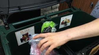 Att materialåtervinna plast är bättre än att energiåtervinna den.  Därför vill Öresundskraft diskutera affärsmodeller som stöder ökad materialåtervinning med kunder, produktägare, avfallslämnare och återvinningsföretag. Foto: Öresundskraft