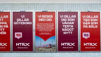 Uppdraget innefattar bl.a. reklamuppsättning i spår- och stationsmiljö för tunnelbanans 100 stationer. Foto: Identity Works