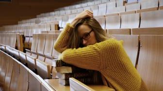 Studentinnen und Studenten leiden unter hohen Mieten in den Unistädten
