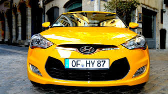 Veloster front close up